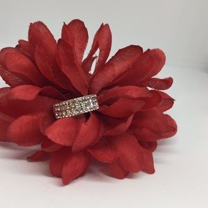 Jewelry - Clear Sparkling Gemstone Ring